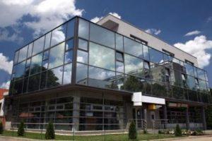 Imobil de birouri cu parter comercial