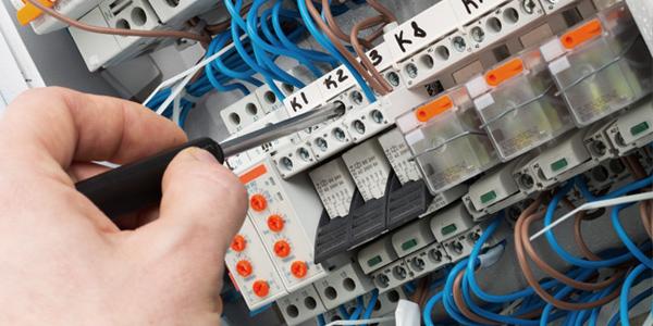 Intretinere instalatii electrice
