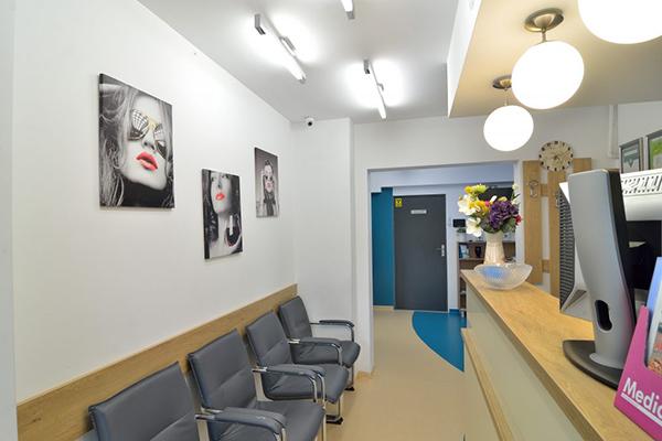 Dr. Cupar Anitas Ioana – Cabinet stomatologic ARI MED DENT Baia Mare – sala de asteptare pentru pacienti