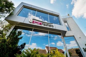 clinica-smile-factory-timisoara-carousel-1-600x450