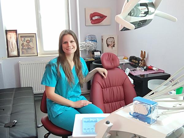Community Dental - Stomatologie Generala, Estetica Dentara, Chirurgie, Ortodontie, Radiologie, Implantologie, Urgente