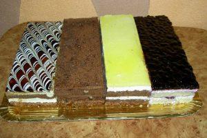prăjituri-de-casa-cofetaria-rodna-800x534px-3