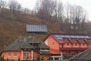 panouri-solare-fotovoltaice-pensiune-glod-maramures-600x450